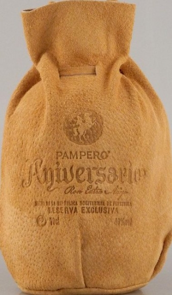 Pampero Aniversario Reserva Exclusiva Anejo in Ledertasche, Rum